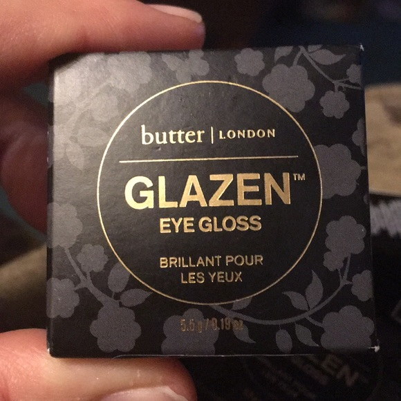 butter LONDON Other - FREE Butter / London new in box gold color